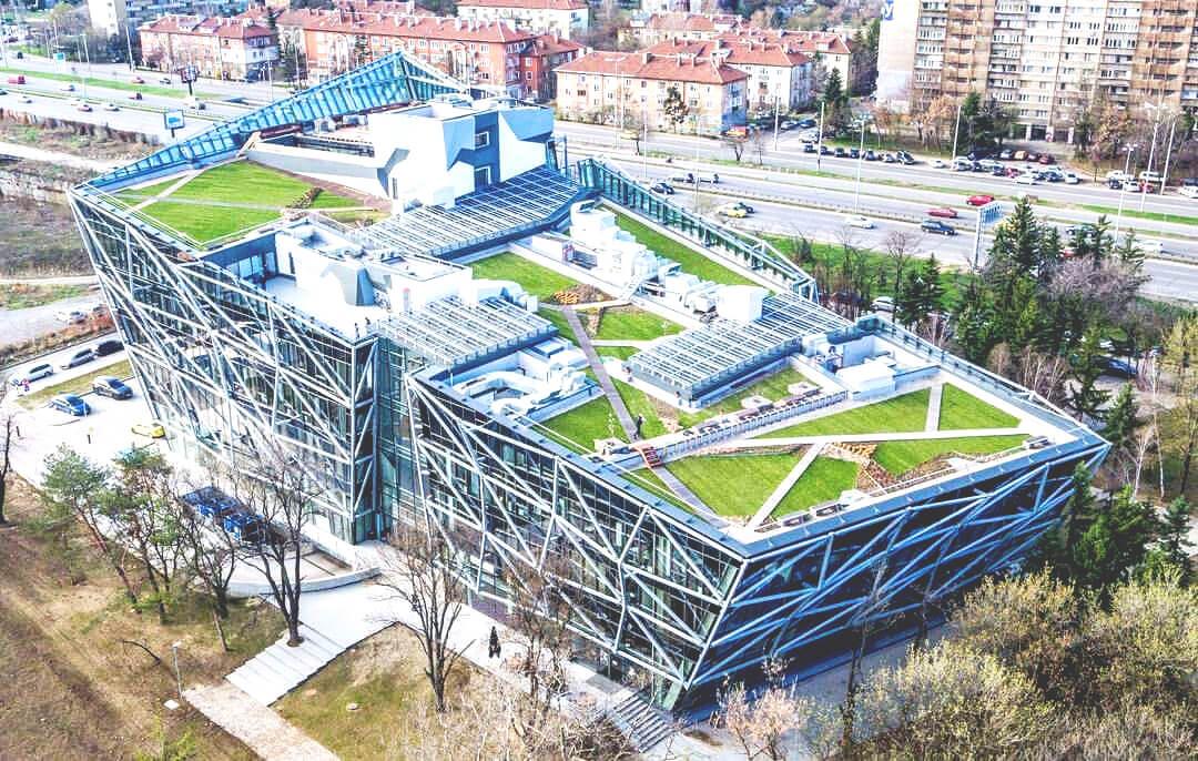 pokrivna-landshaftna-arhitekutra-walltopia-2